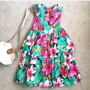 Vintage tropical print floral strapless dress
